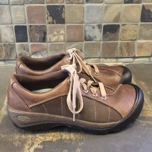 Keen Sneakers / Hiking Shoes Size 7